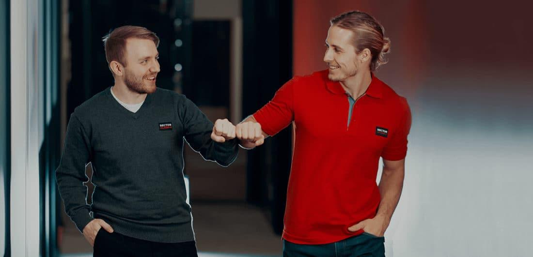Två medarbetare på Sector Alarm, Sveriges nästa största företag inom larm för hemmet