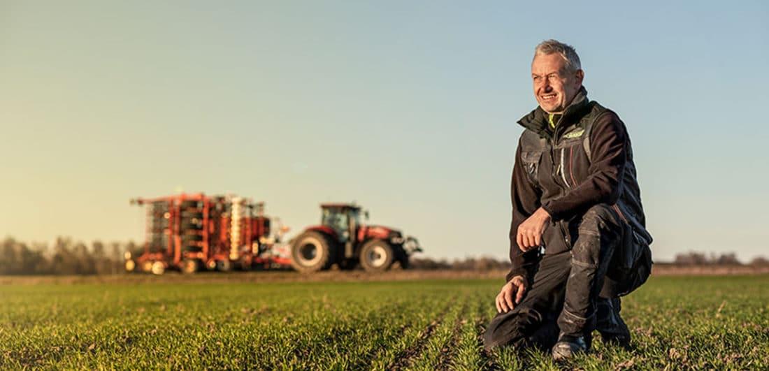 Bild på lantbrukare från Väderstad som är ett av årets Karriärföretag